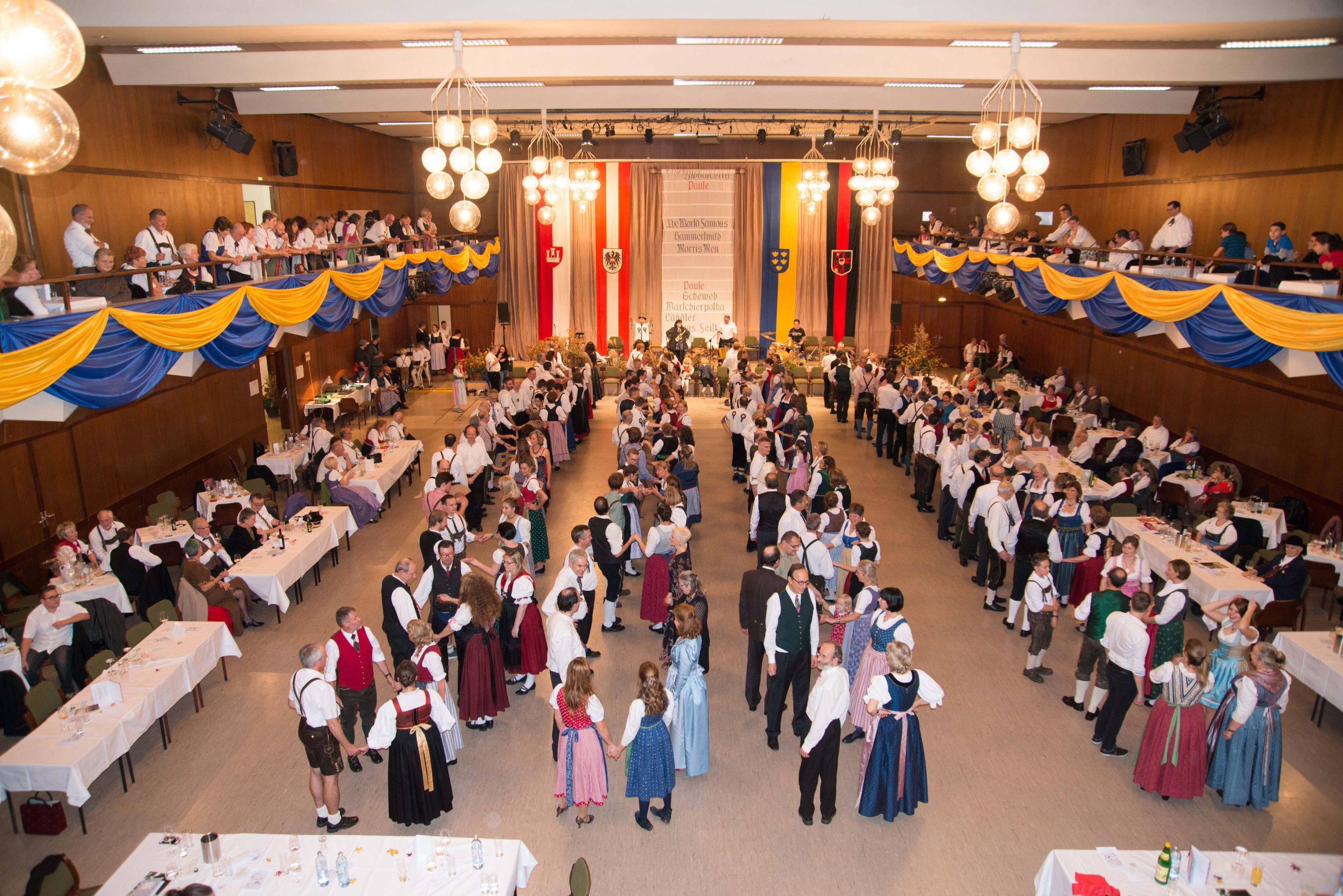 Leopolditanz 2017, Aufstellung zur Quadrille beim Ceílídh Dance